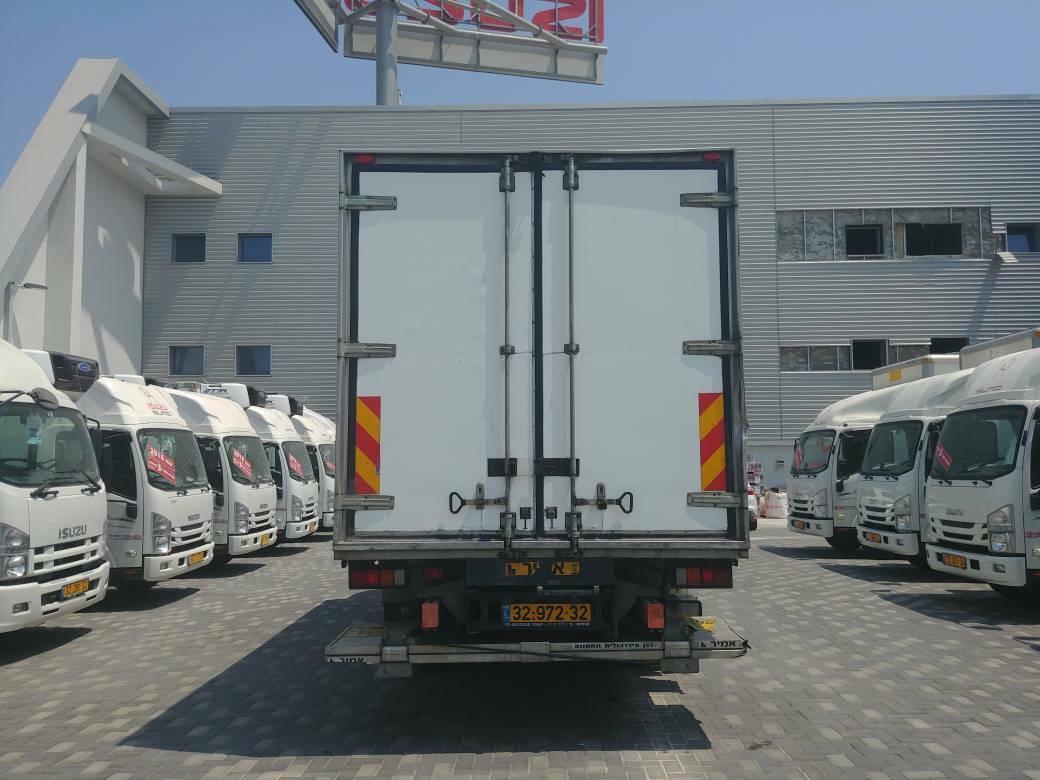 טון 11 קרור עצמאית   איסוזו אתר מכירות משאיות יד שניה