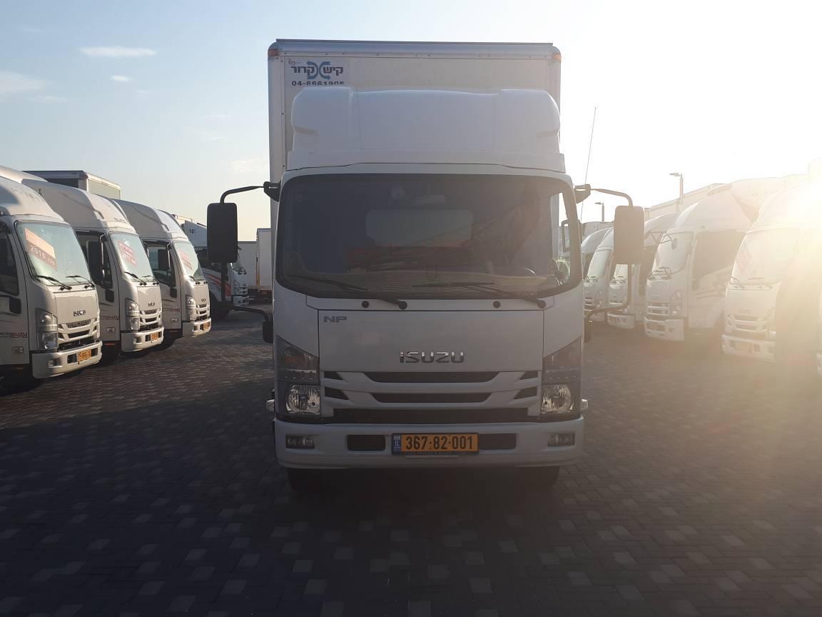 טון 7.5 ארגז סגור   איסוזו אתר מכירות משאיות יד שניה